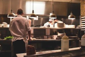 restaurant-922878_1920