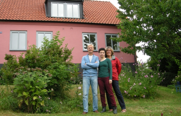 My parents and me standing in front of their house in Österlen. One travel-happy family!